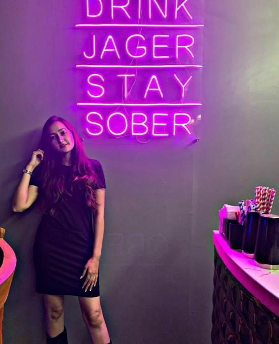 LED Neon felirat bárokba és szórakozóhelyekre