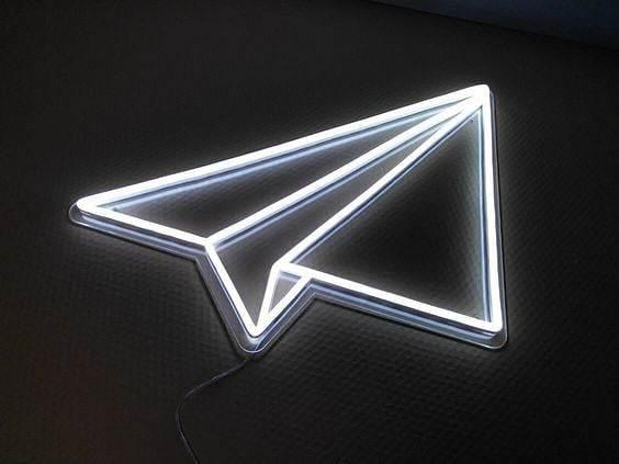 Repülő - LED Neon dekoráció